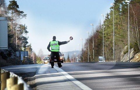 SKREMMENE: Over 40 sjåfører kjørte for fort på Svartskogtoppen på 18 fredag.