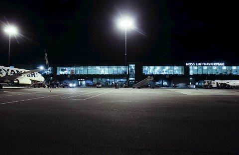 Slik så det ut da RSL pakket og stengte terminalen og samtidig satt stopp for sivilluftfart på Rygge. Nå vilRygge Airport ha tilgang på bygg og anlegg, men trenger politisk støtte for å få det til.
