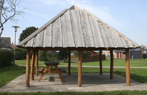 Grill hytta produseres på Ulefoss og skal kunne settes opp på 37 timer.