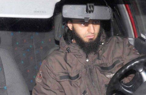 Mohyeldeen Mohammad risikerer anmeldelse etter at det er sendt truende SMS-er fra telefonen hans.