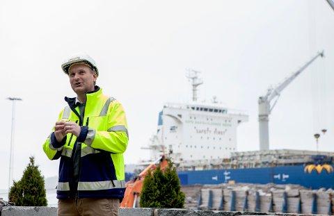 UENIG: Stig Axel K. Olsen i Norsk Stein AS er sterkt uenig i framstillingen av driften i Svartebukt som hyttenabo Christian Falster kom med i ØP i forrige uke.
