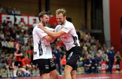 OVERLEGNE: Sigvaldi Gudjonsson og Lukas Sandell kunne slippe jubelen løs for et overlegent sluttspillgull.