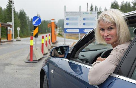 BLE DYRT: Helle Jordbræk er provosert over at gebyret koster mer enn selve bomavgiften på Budorvegen.