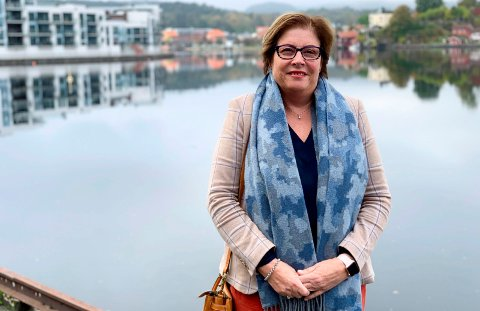 SER FRAMOVER: Anne Karin Alseth Hansen (H) sier hun er veldig fornøyd med bystyregruppa i Porsgrunn Høyre. Hun sier de skal være en tydelig opposisjon de fire neste årene i Porsgrunn bystyre.