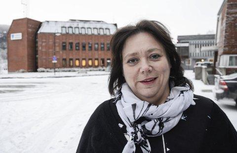 EN AV TRE: Ordfører Christine Trones er en av tre som er vigslere i Hemnes. Foto: Arne Forbord