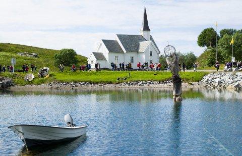 På Træna søkes det nå etter ny sokneprest. Her fra Trænafestivalen 2017.