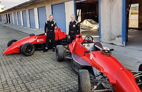 Ola Høgli og Siren Dalmo har begge tatt lisenkurs for bil denne sommeren. Nå kan de delta i ordinære billøp. Foto: Stig Hangås