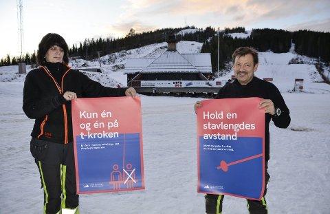 Å holde avstand, det blir det viktigste når alpinsenteret åpner denne sesongen – altså så snart det kommer nok snø. Denne uka åpnet kortsalget fra Skillevollen.Foto: Trond Isaksen