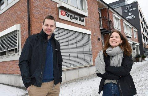 Fornøyde: RB-redaktør Gaute Freng og klubbleder Ingunn Klævahaugen gleder seg stort over opplagstallene til Ringsaker Blad.