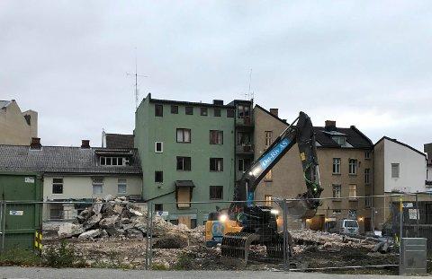 ELEKTROTOMT: Haakon Tronrud kjøpte i fjor eiendommen der Brødrene Helgesen tidligere drev.