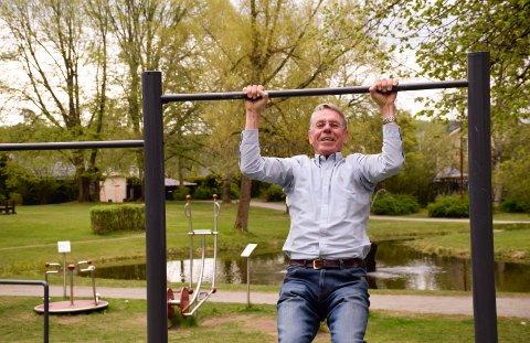 NYTT TILBUD: Jo Henriksen er på jakt etter et nytt treningstilbud, og han håper at holeværingene kan få bygd en Tuftepark lik denne i Søndre park i Hønefoss.