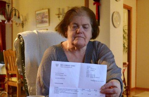 SINT OG UVEL: Reidun Undseth (70). Først var hun veldig sint – nå er hun mest uvel på grunn av brevet hun fikk fra kirkekontoret i Røyken.