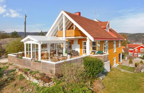 SOLGT: Hagastubben på Nærsnes ble den dyreste boligen i Røyken i september. Den gikk for 10 650 000 kroner.