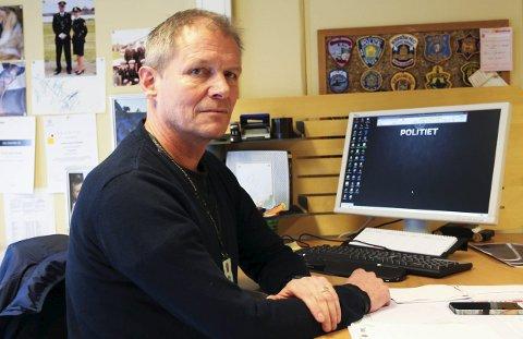 Ønsker tips: Politioverbetjent Trond Aage Kvamme ber folk ta kontakt hvis de har observert mannen som stjal to el-sykler fra kommunen på mandag ettermiddag.