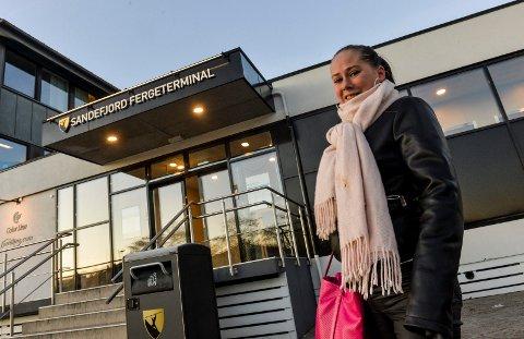 FERJER: Livet til Ida Solbakken dreier seg stort sett om å reise med ferjer. Med den nåværende situasjonen der skipstrafikken er innstilt, blir det lange dager for henne. Hun gleder seg stort til fergene kommer i drift igjen.