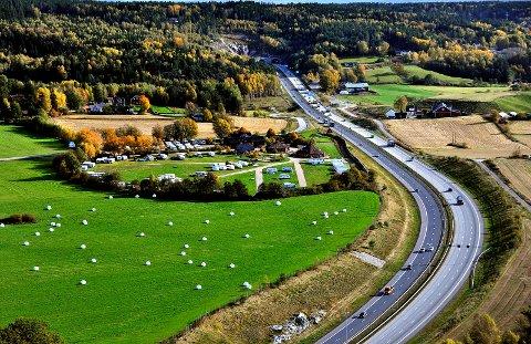 19-åringen ga vel mye gass på E6 gjennom deler av Sarpsborg tidligere i sommer, og er dømt til samfunnsstraff og tap av førerkortet i ni måneder.