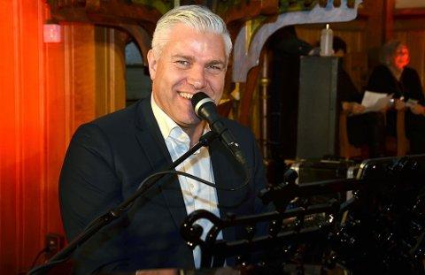 Leif Ingvald Skaug med gjester holder konsert på Ørje mandag kveld.