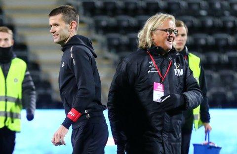 UTSETT: Eirik Bakke og Rasmus Mo må truleg venta til mai før dei får sjå fotballaget til Sogndal i aksjon på bana i OBOS-ligaen.