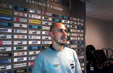 GLAD OG SKUFFET: Jone Samuelsen, her i intervjusonen på Marienlyst stadion, var glad for ett poeng, men skuffet over at sesongen for hans del kan være over allerede. FOTO: FRODE BERG