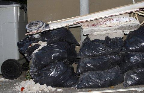 Oppussing. Gamle ledninger. Søppelsekker. Muravfall.  FOTO: SCANPIX