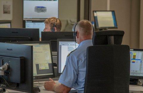 FIKK FLERE TELEFONER: Politiets operasjonssentral i Sør-Øst politidistrikt fikk tre telefoner fra telemarkingen, før de rykket ut med flere politipatruljer til to adresser.