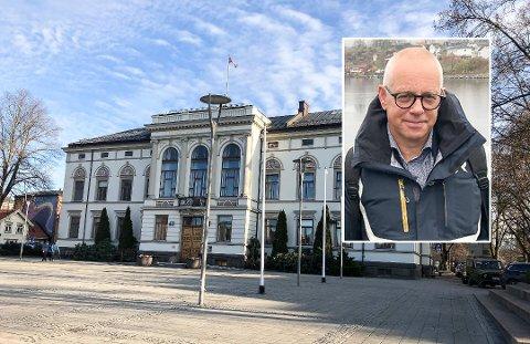 """Høyre-politiker Petter Ellefsen mener det finnes viktigere ting å bruke tid på i bystyret enn å diskutere hvorvindt porsgrunnsfolk skal kalles """"porsgrunning"""" eller ei."""