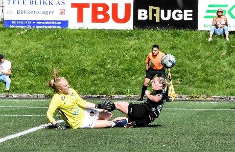 REDDET: Sunniva Skoglund hadde flere gode redninger mot Hønefoss, men feilberegnet da hjemmelaget tok ledelsen tidlig i kampen.