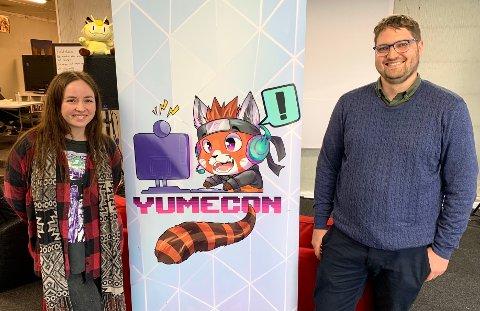 KULTURPRISEN: Foreningen Yumecon mottok i dag kommunens kulturpris. Kaia Skåttet (30) og Odd Arne Lia (32) er både takknemlig og glad for prisen.