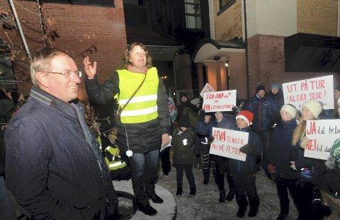 FULL STØTTE: Tønsberg Høyre forsikrer både Tønsbergs Blad og avisens lesere at partiet står samlet bak ordfører Petter Berg.