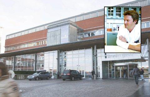 ØKNING: Leder og overlege Tore Stenstad ved infeksjonsmedisinsk seksjon hos Sykehuset i Vestfold (SiV) bekrefter at tre pasienter i Vestfold har fått påvist botulisme de siste 12 månedene.