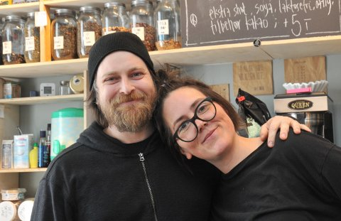 LEGGERNEDLANDHANDLERI:Samboerparet Kathrine Dotterud og Asbjørn Paulsen har brukt lang tid på avgjørelsen om å bryte opp fra Nittedal og flytte hjem til Kristiansand.