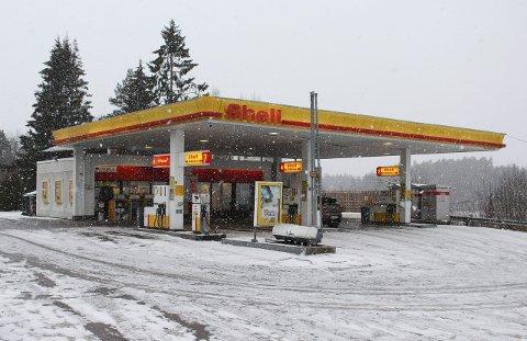 DREV FØR: Son  Vegstasjon AS drev tidligere bensinstasjonen på Tegnebyholtet. Nå drives bensinstasjonen  av et annet firma