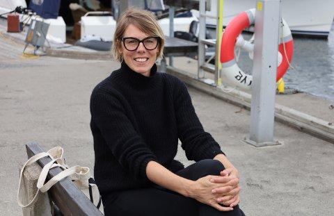 VURDERTE SVALBARD, MEN ENDTE I SON: Det var fritidsinteressene til svenske Alexandra Sørbye (44) som gjorde at hun havnet i Norge, og senere førte kjærligheten henne til Son, hvor hun nå driver som selvstendig næringsdrivende.
