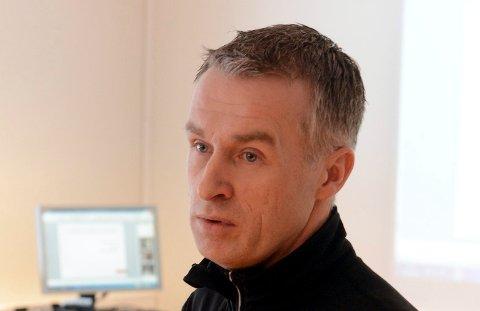 PENN OG PAPIR: - Penn og papir hører fortsatt til dagens orden når bedrifter bruker sjekklister og skjemaer, sier direktør Tomas Pinås i Sigma.