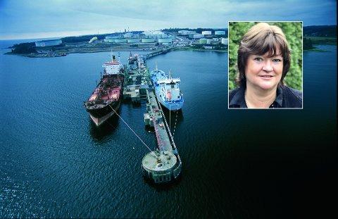 OMLEGGING: ExxonMobils raffineri på Slagentangen i Tønsberg ble innviet i 1961. Raffineriet er en av Norges største landbaserte eksportbedrifter. Kommunikasjonsansvarlig Anne Fougner i Esso Norge sier at det kan gå mot et nytt kapittel for raffineriet.