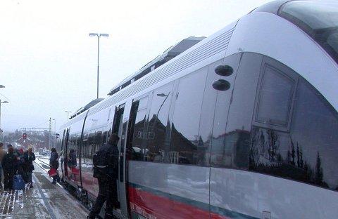 Stasjon: Os formannskap mener at en ny Hamar stasjon må bygges ved Vikingskipet. Arkivfoto: Per Erlien Dalløkken