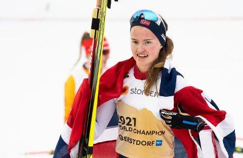 SKIFIRENINGEN STØTTER OPP: Det går ikke upåaktet hen hos Skiforeningen at Gyda Westvold Hansen ble verdensmester i kombinert, ja faktisk tre ganger sist sesong.