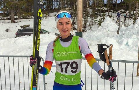 MEDALJEDOBBEL: Cecilie Wasler Fone tok gull og sølv på helgens to øvelser i kretsmesterskapet på Hovden, der hun til daglig går på skigymnas.