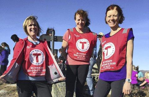 TURLEDERE: Astrid Igland, Erene Wilberg, og Linn Dyveke Wilberg. Foto: Hennie Lefdal.