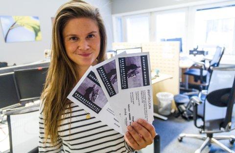 Nh-journalist Eline Kirkebø skal trekke ut tre heldige vinnarar som får ta med seg ein ven eller partnar på konsert fredag kveld.