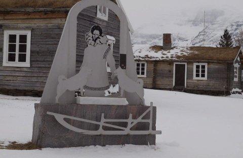 Skibotn: Leonhard Seppala ble født i Skibotn i 1877, og bygda har reist sitt eget monument for å hedre den legendariske nordlendingen.
