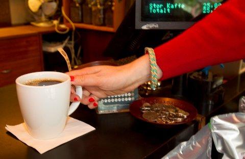 Nordmenn er er på verdenstoppen i kaffedrikking. Nå skal Nordlandssykehuset HF undersøke om kaffeslutt kan trigge migrene.
