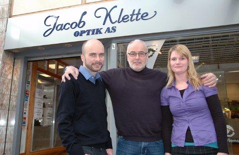 Jakob Klette, her med Andreas Klette og Solveig Lorentsen, lanseres avskribenten som ny daglig leder i Glimt.