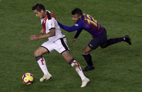 Rayo Vallecano og Oscar Trejo (t.v.) er i desperat poengnød. (AP Photo/Manu Fernandez)