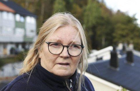 Solveig Nestås bor i nærheten av leiligheten som ble totalskadet i brann mandag.