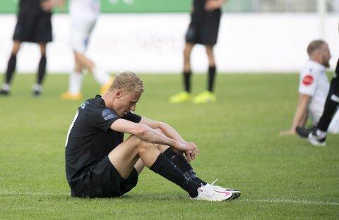 Kristoffer Barmen vet hvordan det er å rykke ned med Brann. Han var temmelig knust etter tapet for Odd søndag, og enda lengre nede i Haugesund i går.