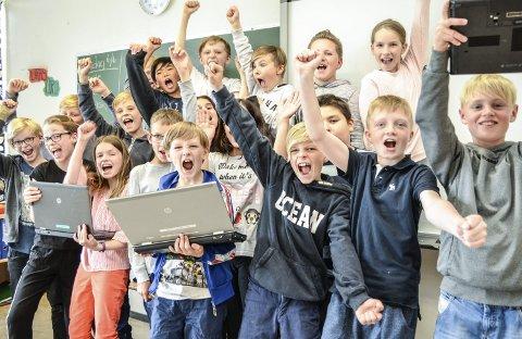 Glade Vinnere: Elevene i 5 A ved Hokksund barneskole jubler etter at de ble kåret til den beste skolen i hele Eiker i årets Mattemaraton, og at de er inne på topp 10-lista for hele landet.
