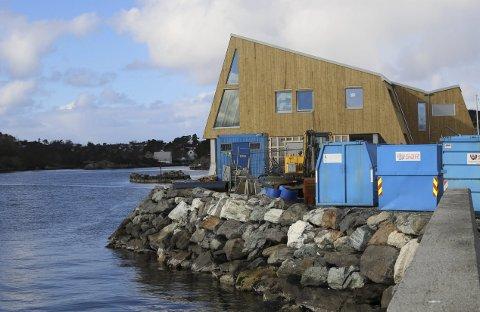 KLUBBHUS: Fantastisk plassering for Florø Seilforening sitt klubbhus.