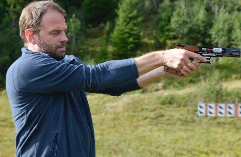 Tor Olav Sande skaut 103 av 103 moglege treff på Leikanger Sportsskyttarlag sitt stemne 13-15 sept.