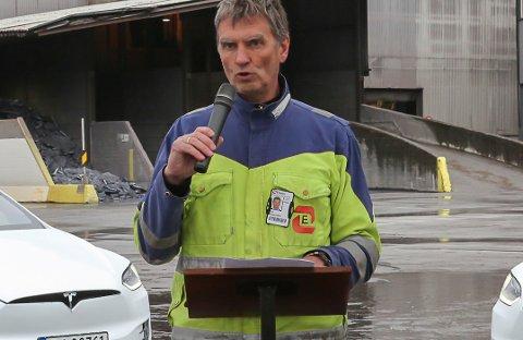 Arne Werge-Olsen, adminstrerande direktør ved Elkem Bremanger, meiner ein har god kontroll på verket i Svelgen så langt.